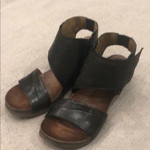 Miz mooz black wedge sandals NWT Sz 38 7.5-8